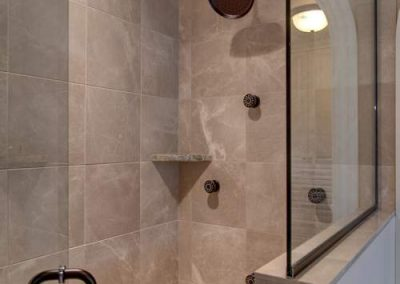 shower in Candy Cove home on Prior Lake