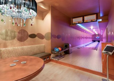 Deephaven bowling alley