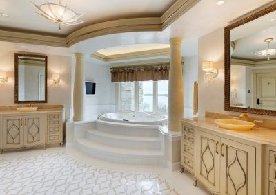 Deephaven master bath