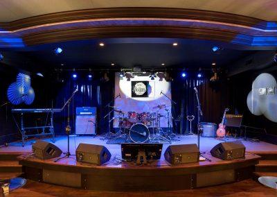 Deephaven music room