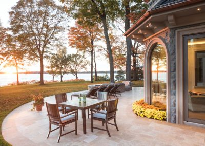 outdoor dining at Lake Minnetonka Estate
