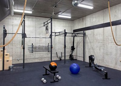 gym in Modern Lakefront home
