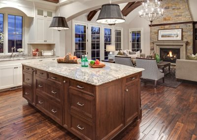 kitchen island in Parkwood Knolls Custom home