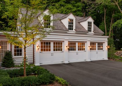 John Kraemer & Sons Coastal Lakeside carriage house